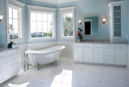 PEDESTAL TUBS, HEATED TOWEL BARS AND OTHER HOT BATHROOM UPGRADES AWAIT YOU